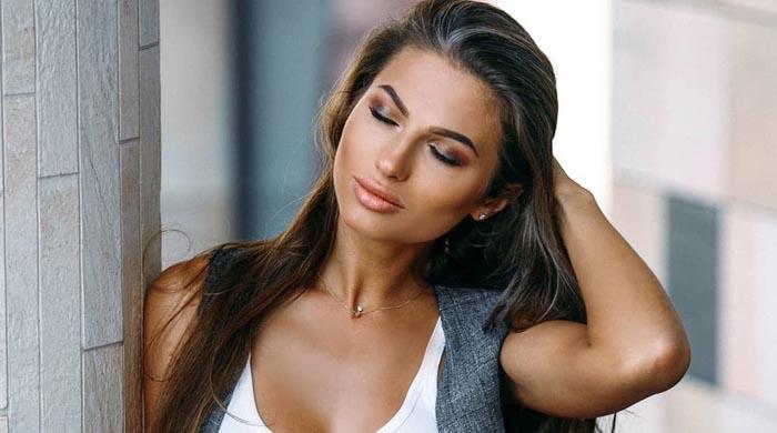 Daria Shy Model